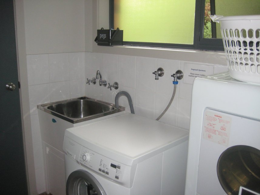 2 bedroom villa unit laundry